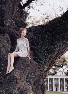 Gemma Ward by photographer Arthur Elgort for US Vogue, 2004. Source: inspirationbycolor.com