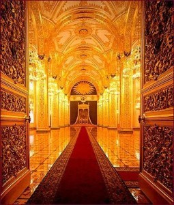 Red Throne Room, Moscow. Source: tristarmedia.com