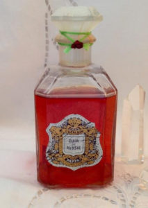 Guerlain Cuir de Russie. Photo: Parfums de Paris Etsy store.